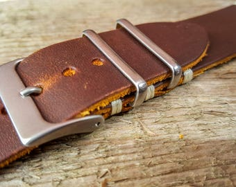 Handmade leather watch strap 20mm, vegetable tanned hand dyed three.FREE SHIPPING