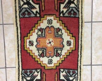 handmade carpet pillow,anatollion handmade carpet pillow,wall edge carpet pillow