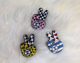 New super cute chanel inspired hand brooch