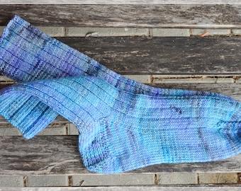 merino socks, women size UK 4,5-6, US 7-8 , hand dyed an hand knit ∞ very very cozy