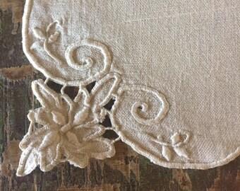 Vintage Linen Napkins, Antique Ivory Cutwork Napkins, Old Linen Dinner Napkins, Vintage Table Linens, Handcrafted Embroidered Linen Napkins