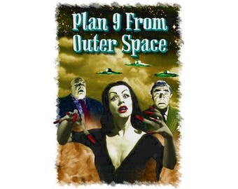 T-SHIRT: Plan 9 From Outer Space / Vampira - Classic T-Shirt & Ladies Fitted Tee - (LazyCarrot)
