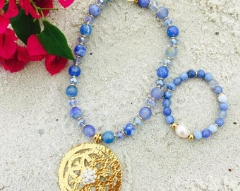 blue bead necklace / blue necklace / royal blue and gold necklace / cobalt blue necklace / bridesmaid necklace / blue statement necklace