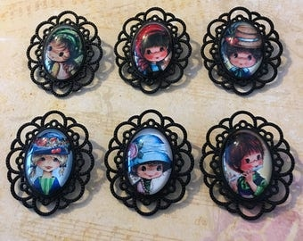 Brooches with retro girl motif
