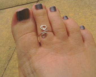 Silver plated swirl toe ring