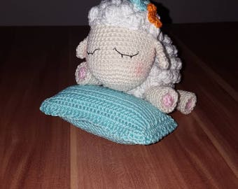 cute crocheted amigurumi sheep gift süß gehäkelt Schaf geschenk