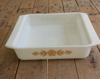 Vintage Pyrex Butterfly Gold Brownie Pan 922
