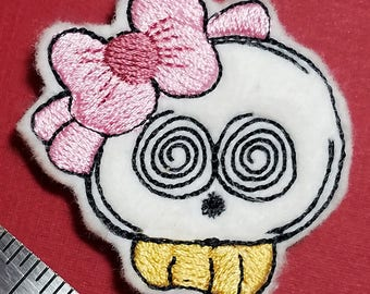 Sweet Skull Feltie. Machine Embroidery Design. 4x4 Hoop Instant Download. Felties. Halloween Feltie. Skull. Feltie. Pink Bow