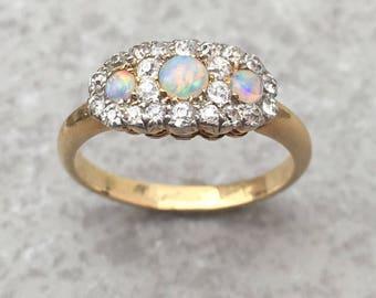 Antique Edwardian 18K Gold and Opal Ring, size US 6,5 UK M, sizeable