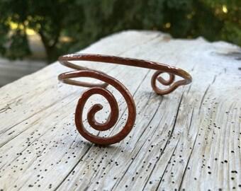 Simple hammered copper wire bangle, Swirl copper wire bangle