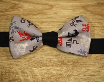 Bow tie pattern asteque
