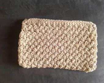 Crochet beige pochette/clutch