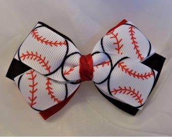Girl Hair Bow with Baseball pattern - Hair bow, Toddler hair bow, Hair clip for girl, Sport theme hair bow