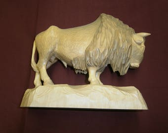 handemade wooden buffalo from Schneeberg / Erzgebirge, older hand carved bison or Wisent, Wild West Decor, Hunter gift