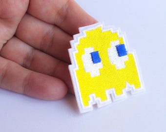 Yellow ghost patch pacman Iron on Patch pixel vintage games applique retro gaming 80s geek geekery 5.5 cm