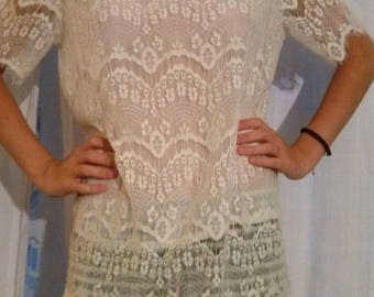 White lace short sleeves blouse