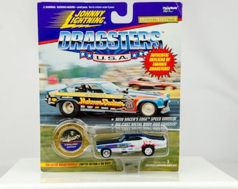 Johnny Lightning Dragsters USA Limited Edition '71 Revellution 1/64 Diecast