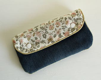 Mini clutch, quilted cotton and recycled denim printed liberty cream, dusty pink, green almond, piping
