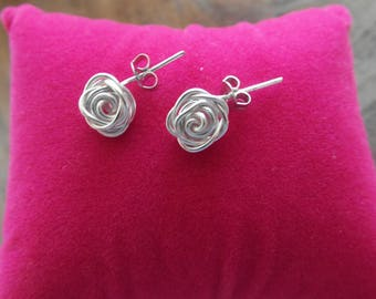 Silver colored Wire Wrapping roses earrings earrings with butterfly button