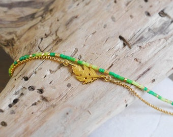 Bracelet very fine seed beads Miyuki delicas and fine chain, green and gold spacer with feather (BRCH03vertvif)