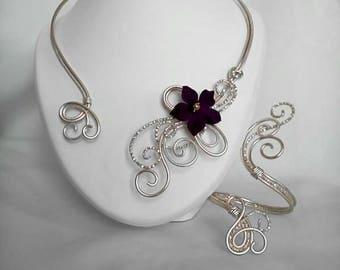 Necklace / bracelet in light gold aluminum wire