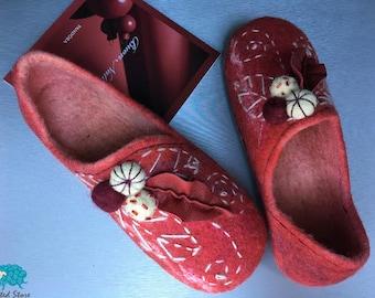 Warm women's felted slippers 100% Handmade
