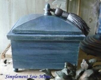 Blue Oriental jewelry box