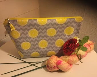 Knitting project zipper bag with Sunny lemons. 1-2 skein size strl S-M
