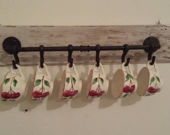 Rustic Farmhouse Country Style Wall Hanging Mug Hooks Holder