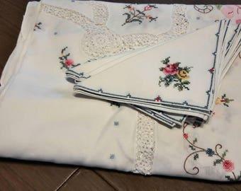 Antique embroidered banquet tablecloth and 11 napkin set / handstitched lacework applique heirloom / floral tablecloth / Vintage linens