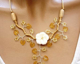 Topaz Flower necklace white natural Pearl