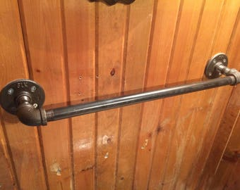 Industrial Pipe Towel Rack 18""