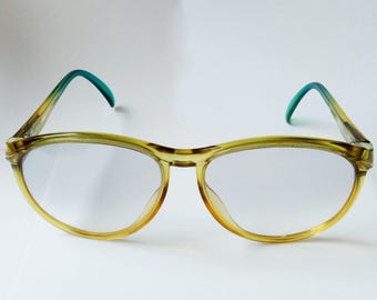 Vintage Sunglasses 70s Womens Over sized, Butterfly frameVintage, Green Sunglass, Glasses Shades