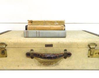 Vintage Suitcase Luggage Tan Cream Alligator Trim/Handle Biltrite