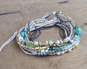 Bracelet 3 laps warm sand - Japanese beads and leather - boho - hippie chic - gypsy - gypset - Bohemian - ethnic - Ibiza - golden - green