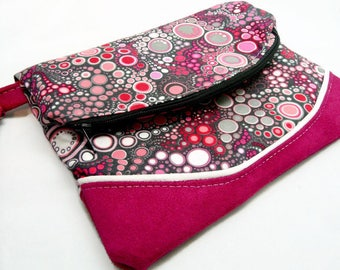 Original cover in cotton and pink Fuchsia suede with pink, white bubbles on a black background / strap / closed by magnet