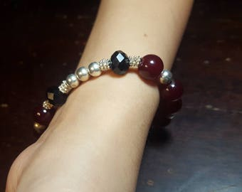 Mixed color beaded Bracelet maroon and black