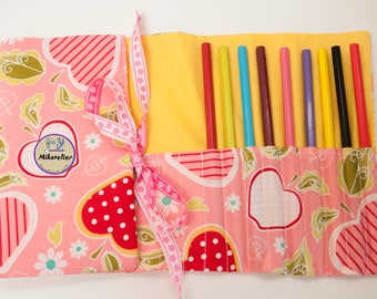 25 crayons pencil roll, pencil holder, crayon roll, birthday gift, activities on the go, toddler gift, back to school, kindergarden