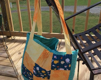 Baby pocketed tote
