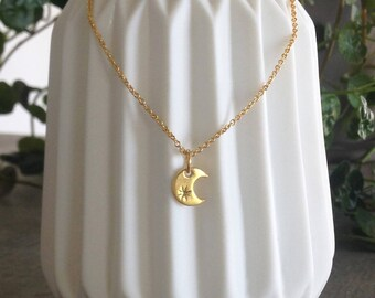 "Necklace ""To the moon"""