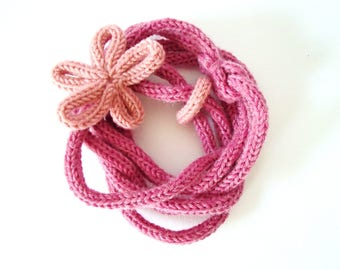 handmade woolen necklace, pink with flower and woolen ring