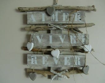 Decorative wood palette and Driftwood