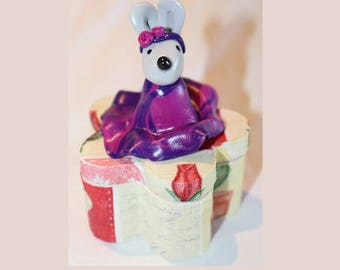 Box teeth, mouse, purple