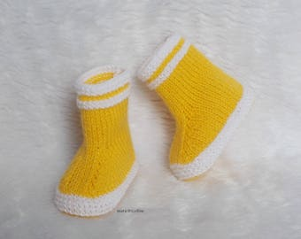 baby booties 0/3 months white yellow rain boots handmade knit wool