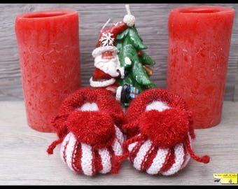 Santa Claus booties heart shaped red glitter and white baby knitted with tassel