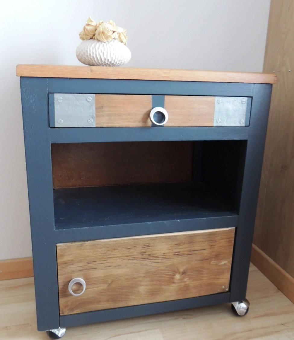 meuble boisgino esprit industriel sur roulettes. Black Bedroom Furniture Sets. Home Design Ideas