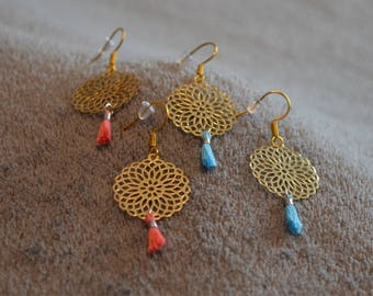 Earrings prints rocaces golden light blue tassel
