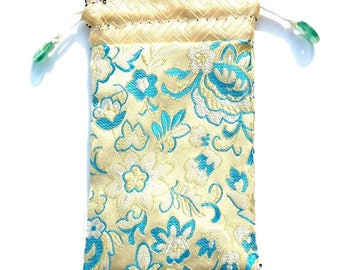 Japan spirit * cell phone Embroidered silk sleeve * accessory bag * pale yellow