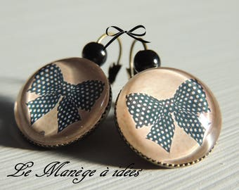 "Bronze metal Stud Earrings ""Chic in the pretty bow"""