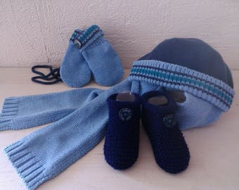 A trio to have warm: all toes boots, hat, mittens 0-3 months - booties - gift idea